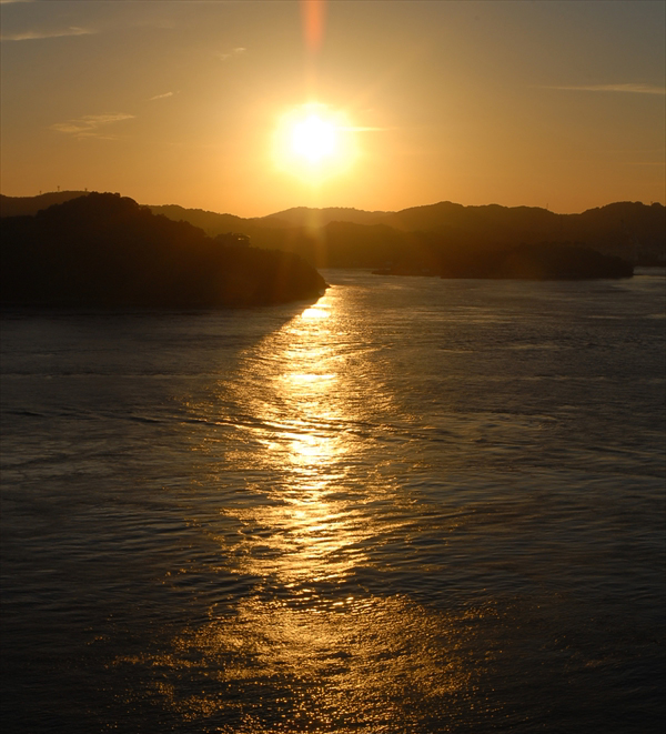 来島海峡の夕陽2