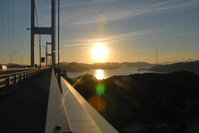 来島海峡大橋夕日