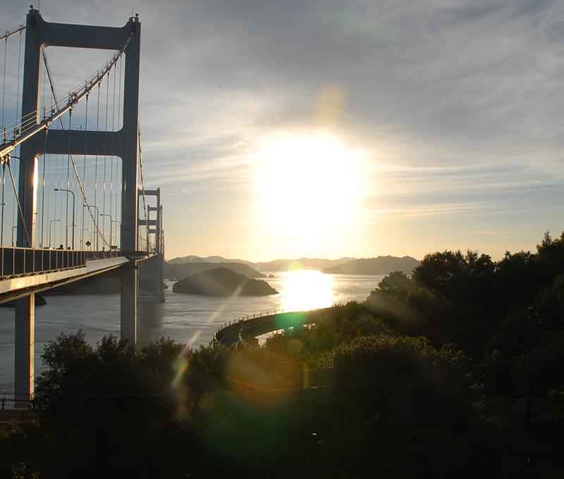 来島海峡大橋へのアプローチから